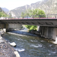 Pont sobre el Riu Gran Valira, al Carrer Prat Salit