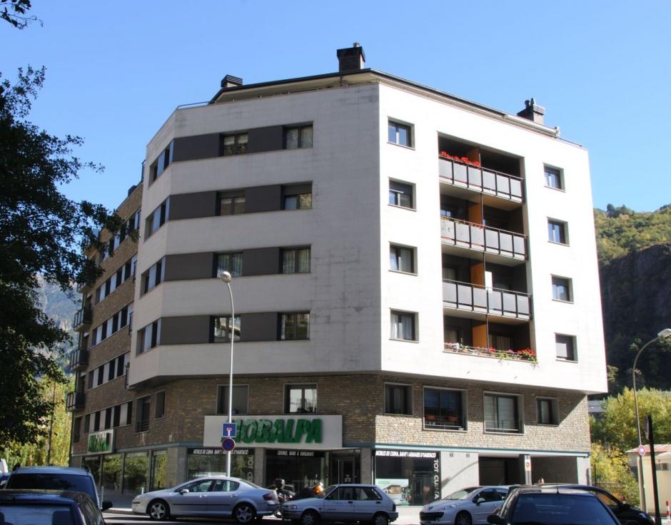 Edificio de viviendas en el Prat de la Grau, Arquitectura (Principado de Andorra)