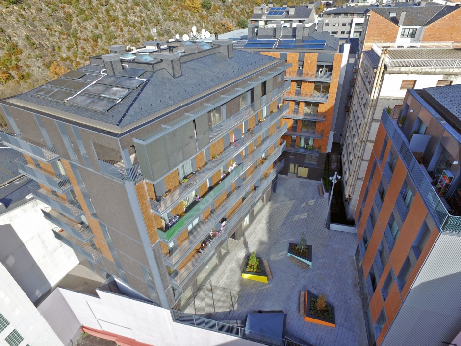 Buildings Houses, Commercial Premises and Parking in the Av. Virgen de Canòlich, Architecture (Principality of Andorra)