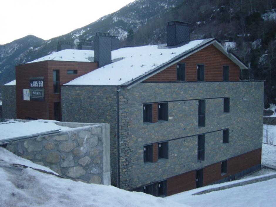 Edifici d'Habitatges a Llorts, Arquitectura (Principat d'Andorra)