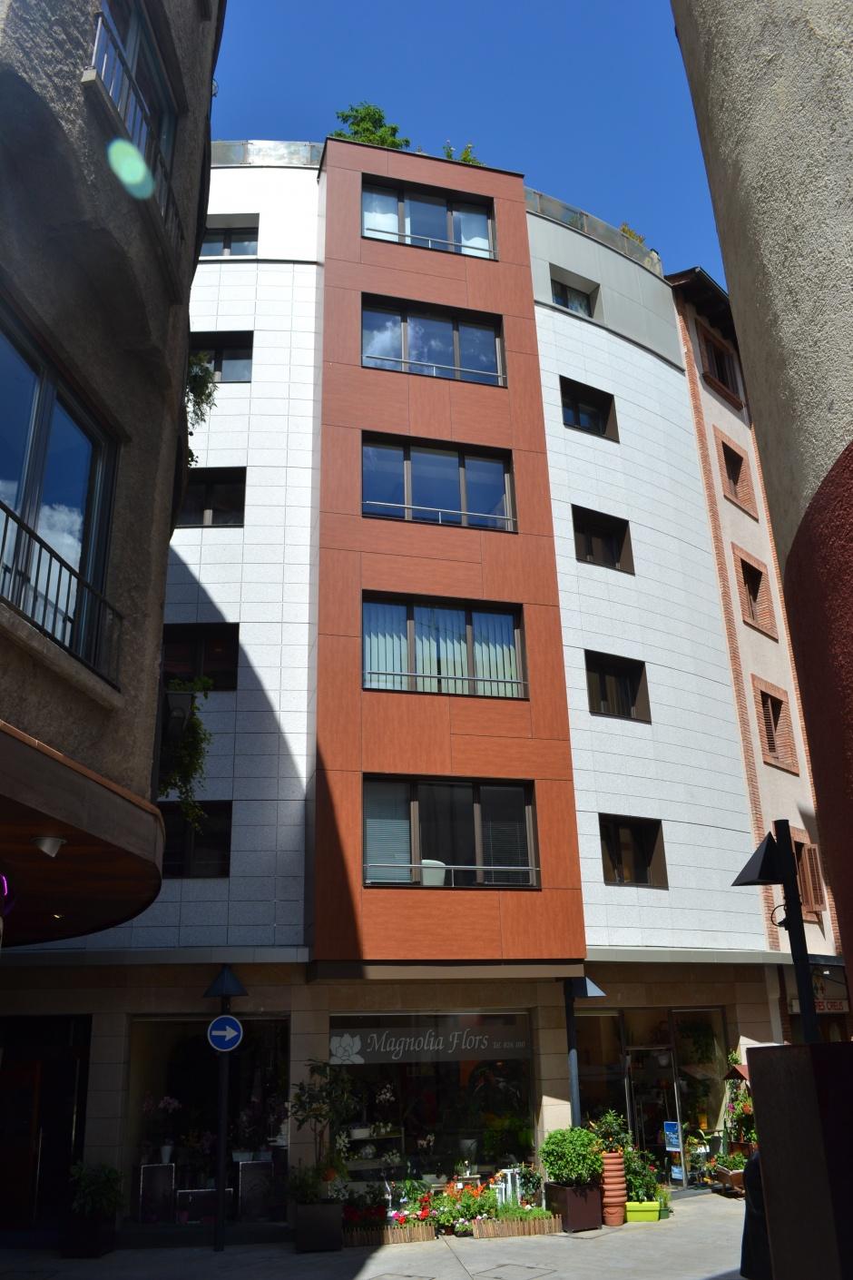 Reforma de façana, C/ La Llacuna,2, Architecture (Principality of Andorra)