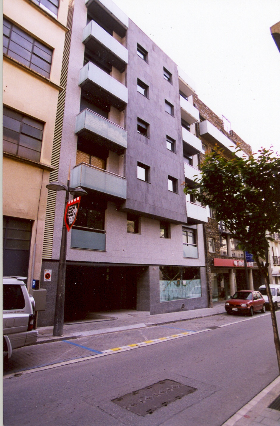 Residential building on Av. Virgin of Canòlich, 38, Architecture (Principality of Andorra)