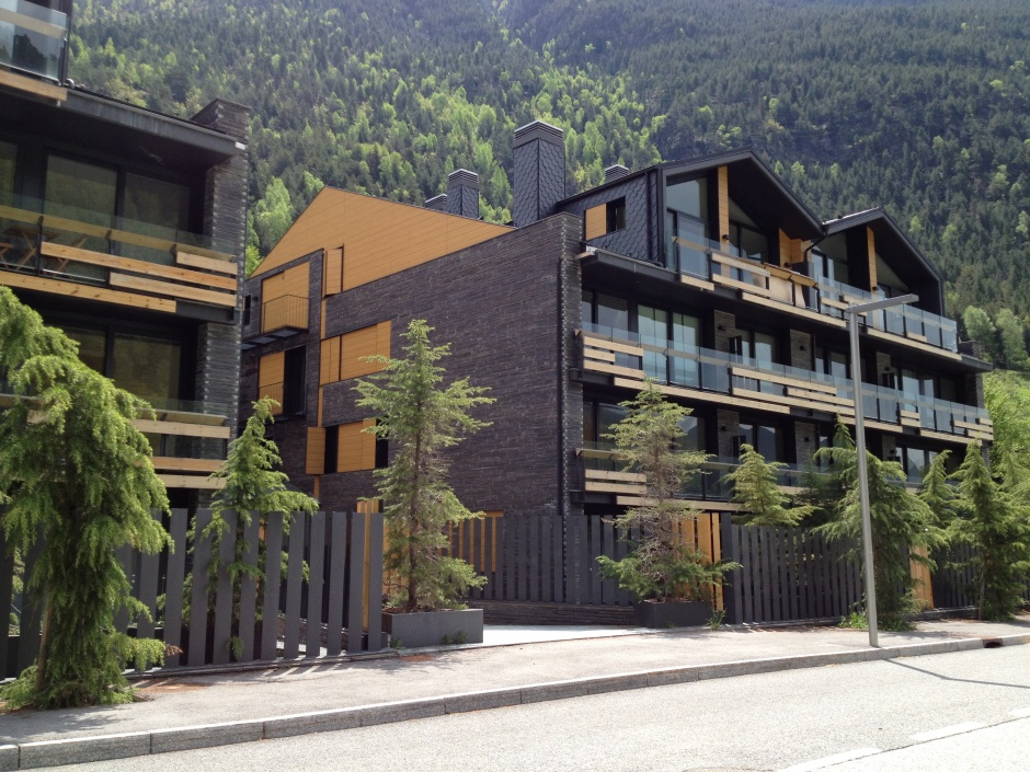 Residential building in Llorts, Architecture (Principality of Andorra)
