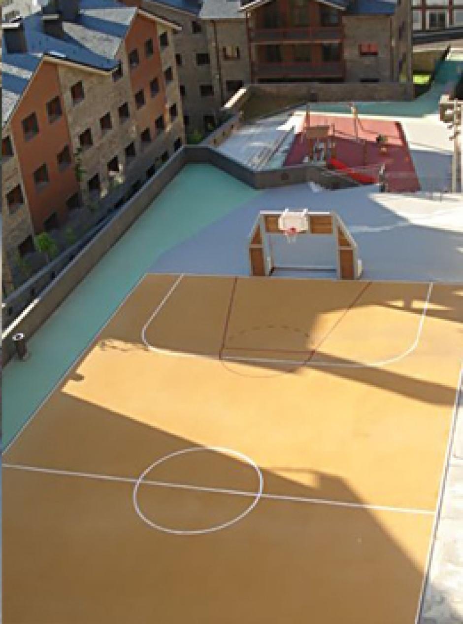 Aparcament i Complexe Ludico-Esportiu, la Covanella, Arquitectura (Principat d'Andorra)